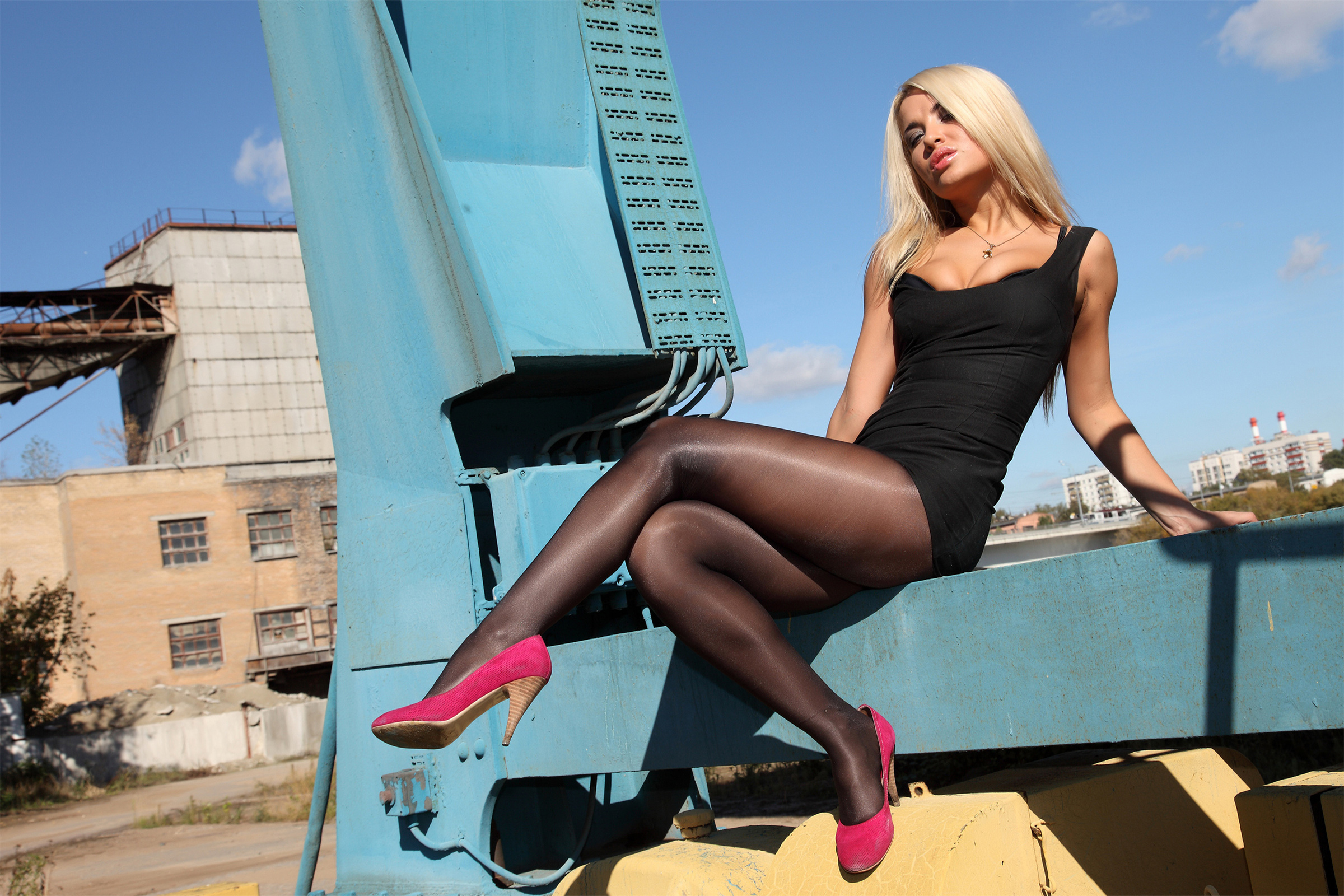 фото блондинок в колготках