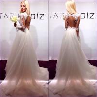 Модель Алена Шишкова показала свое свадебное платье. Фото.